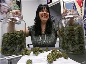 Предвижда се легалните продажби на марихуана в САЩ да достигнат 1,5 милиарда долара тази година